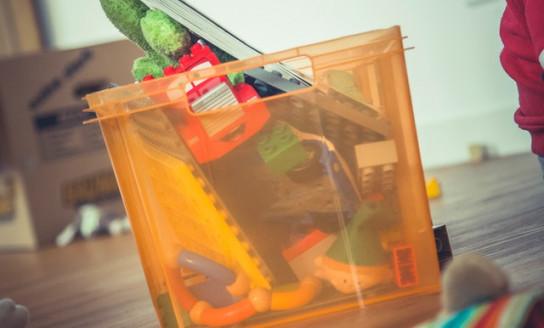 toys box mess 102155 v2